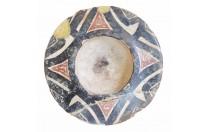 صحن فخار اسلامي من العصر الغزنوي بين القرنين 3-4 هـ