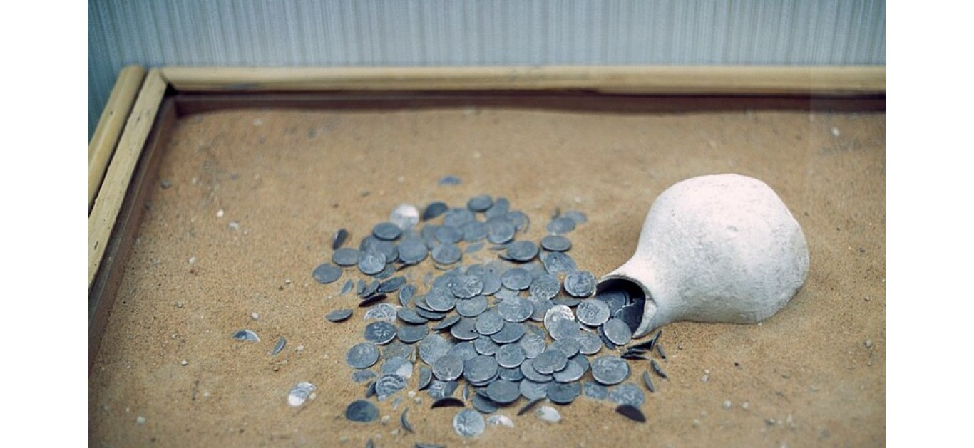 نقود من اليمن اكتشفت بامريكا